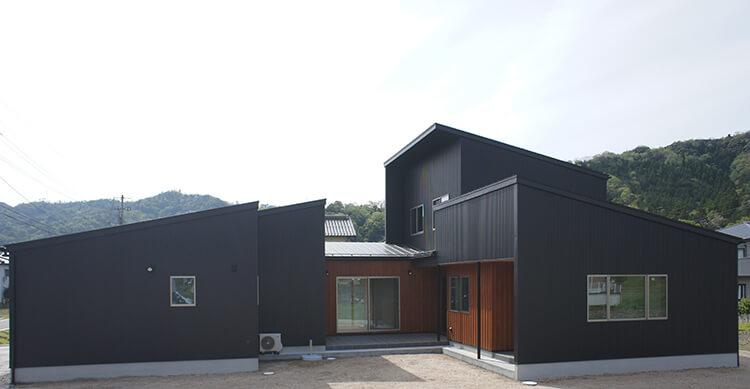 二世帯の家(三朝町)